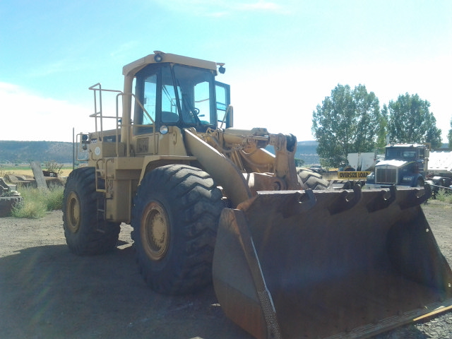 1987 Caterpillar 966D Wheel Loader Front Right