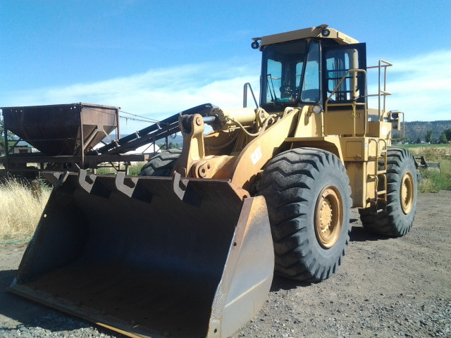 1987 Caterpillar 966D Wheel Loader Front Left